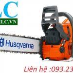 Máy cưa xích cầm tay Husqvarna 576XP sử dụng động cơ xăng